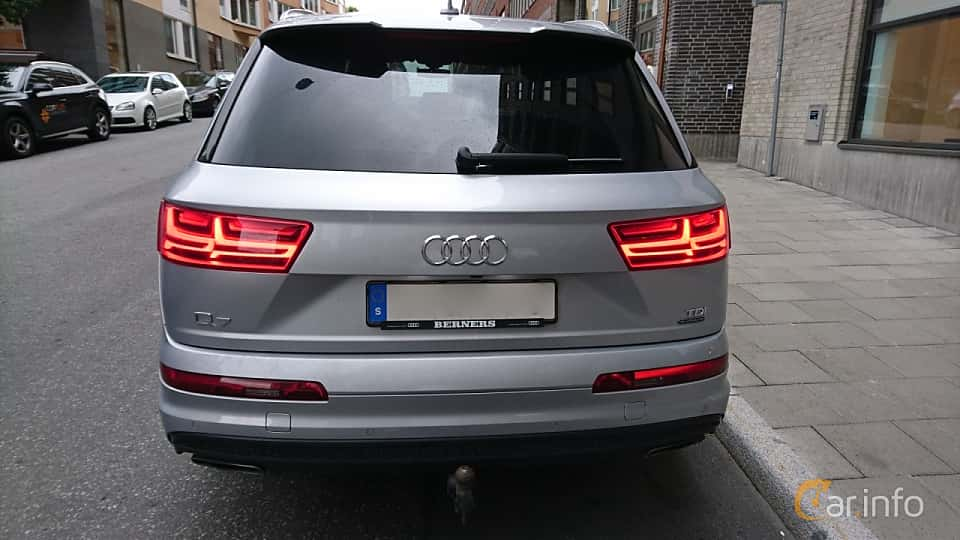 Back of Audi Q7 3.0 TDI V6 quattro TipTronic, 272ps, 2016