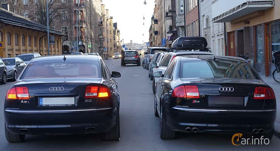 Bak av Audi A8 L 6.0 W12 quattro TipTronic, 450ps, 2007