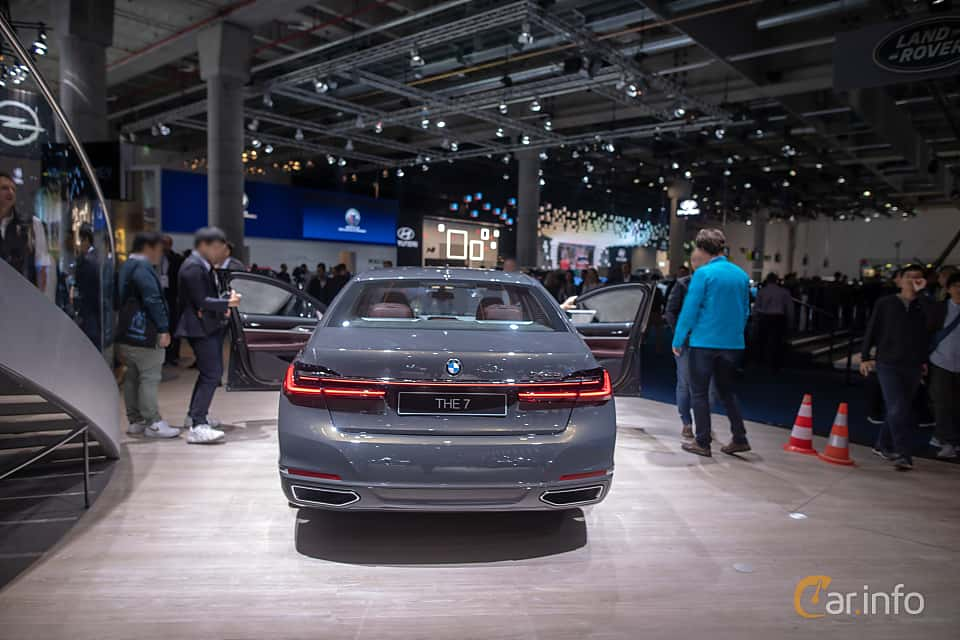 Back of BMW 745e  Steptronic, 394ps, 2020 at IAA 2019