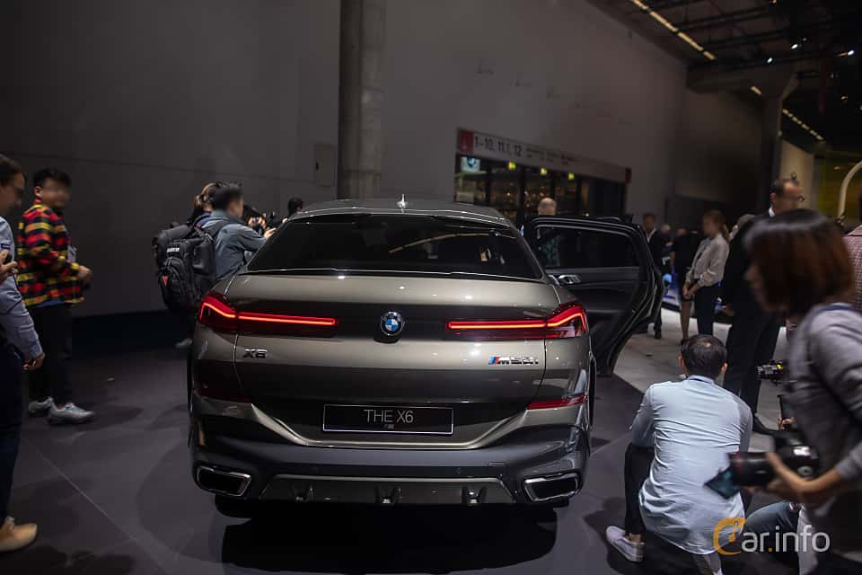 Back of BMW X6 M50i  Steptronic, 530ps, 2020 at IAA 2019