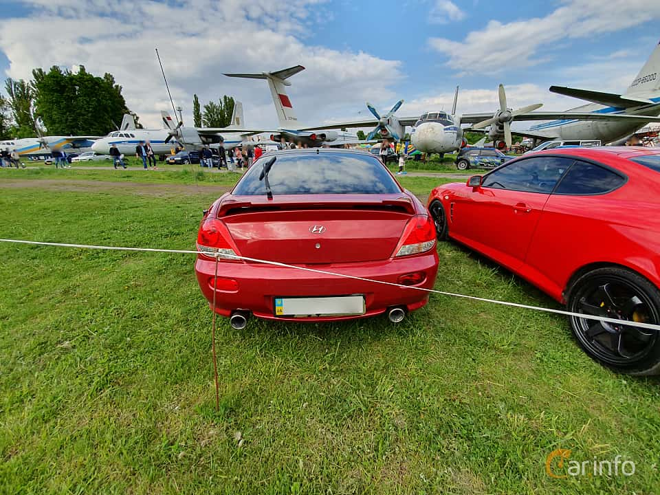 Back of Hyundai Coupé 2.0 143ps, 2006 at Old Car Land no.1 2019
