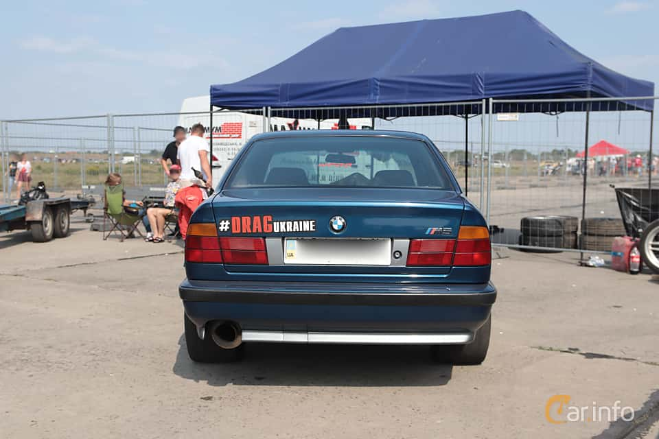 Back of BMW M5 Sedan  Manual, 315ps, 1989 at Proudrs Drag racing Poltava 2019