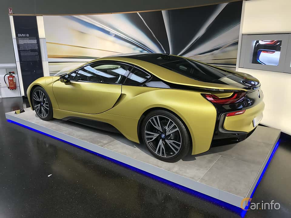 Back/Side of BMW i8 1.5 + 7.1 kWh Steptronic, 362ps, 2014