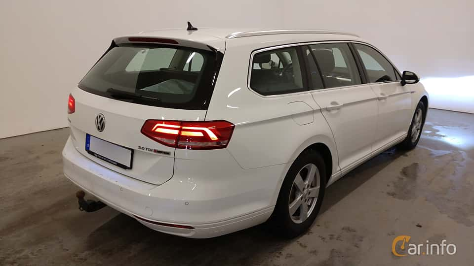 Back/Side of Volkswagen Passat Variant 2.0 TDI BlueMotion 4Motion Manual, 150ps, 2016