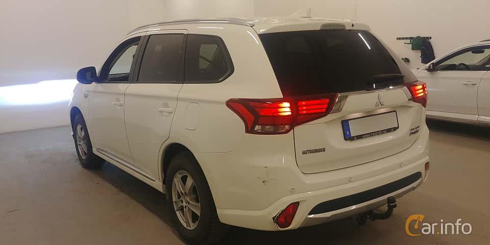 Back/Side of Mitsubishi Outlander P-HEV 2.0 Hybrid 4WD CVT, 203ps, 2018