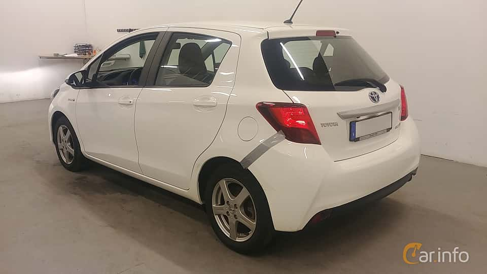 Back/Side of Toyota Yaris Hybrid 1.5 VVT-i CVT, 101ps, 2015