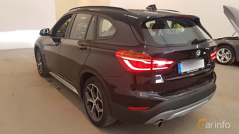 Back/Side of BMW X1 xDrive18d  Manual, 150ps, 2016