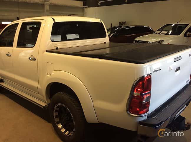 Back/Side of Toyota Hilux Double Cab 3.0 D-4D 4x4 Automatic, 171ps, 2015