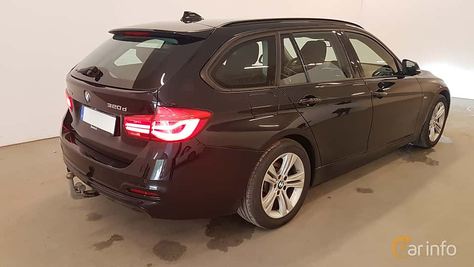Back/Side of BMW 320d xDrive Touring  Steptronic, 190ps, 2016