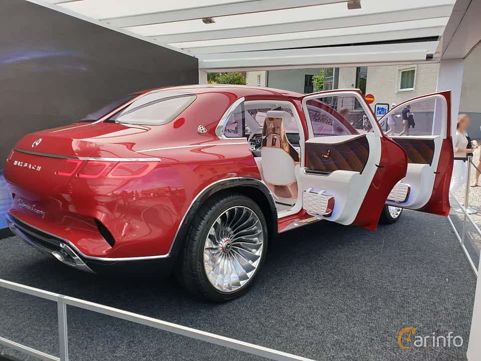 Back/Side of Mercedes-Benz Vision Mercedes-Maybach Ultimate Luxury 90 kWh Single Speed, 748ps, 2018