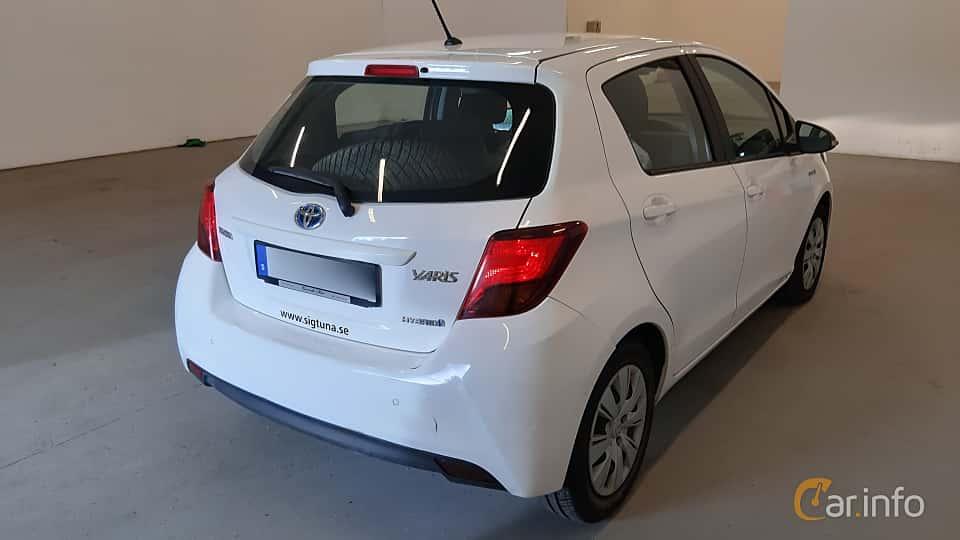 Back/Side of Toyota Yaris Hybrid 1.5 VVT-i CVT, 101ps, 2017
