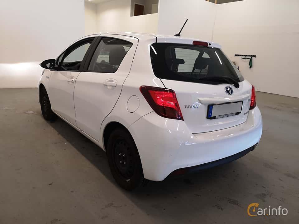 Back/Side of Toyota Yaris Hybrid 1.5 VVT-i CVT, 101ps, 2016