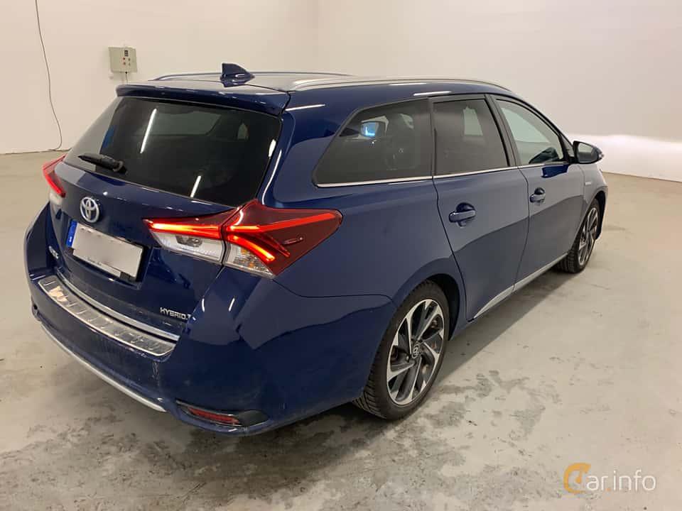 Back/Side of Toyota Auris Touring Sports Hybrid 1.8 VVT-i + 3JM CVT, 136ps, 2017