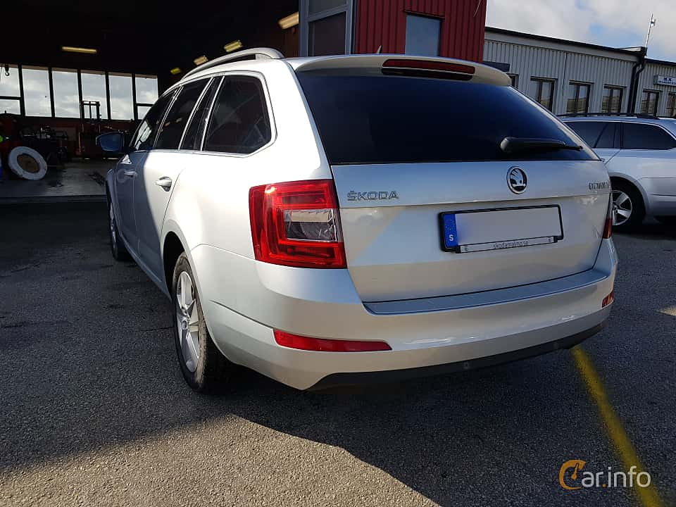 Back/Side of Skoda Octavia Combi 1.6 TDI Manual, 110ps, 2016
