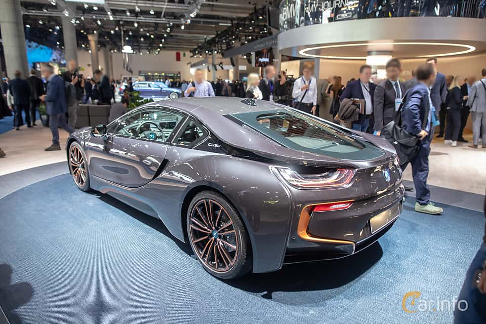 Back/Side of BMW i8 1.5 + 11.6 kWh Steptronic, 374ps, 2020 at IAA 2019