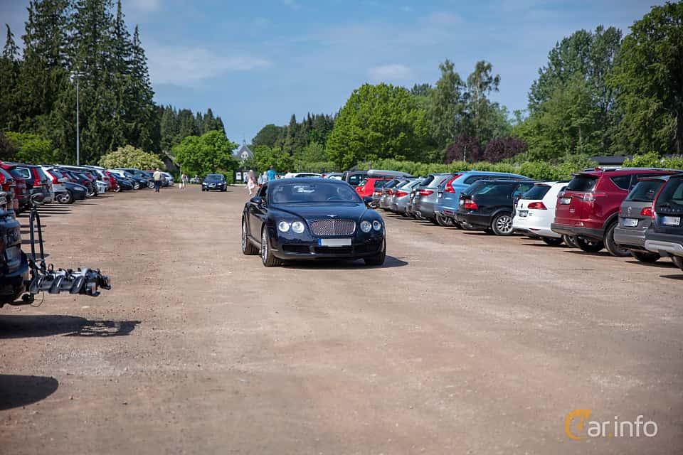 Front/Side  of Bentley Continental GT 6.0 W12 Automatic, 560ps, 2004 at Rolls-Royce och Bentley, Norrviken Båstad 2019