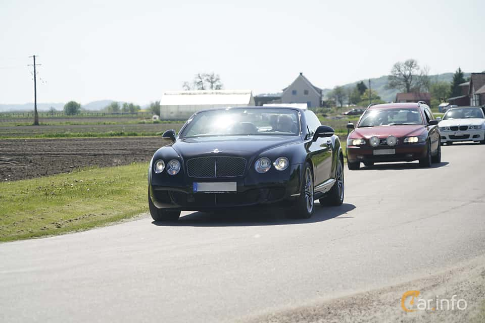 Front/Side  of Bentley Continental GTC Speed 6.0 W12 Automatic, 610ps, 2010 at Tjolöholm Classic Motor 2017