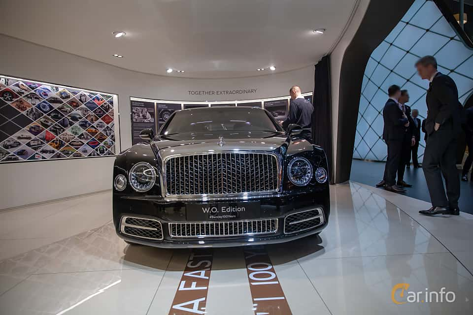 Front  of Bentley Mulsanne 6.75 V8  Automatic, 512ps, 2019 at Geneva Motor Show 2019