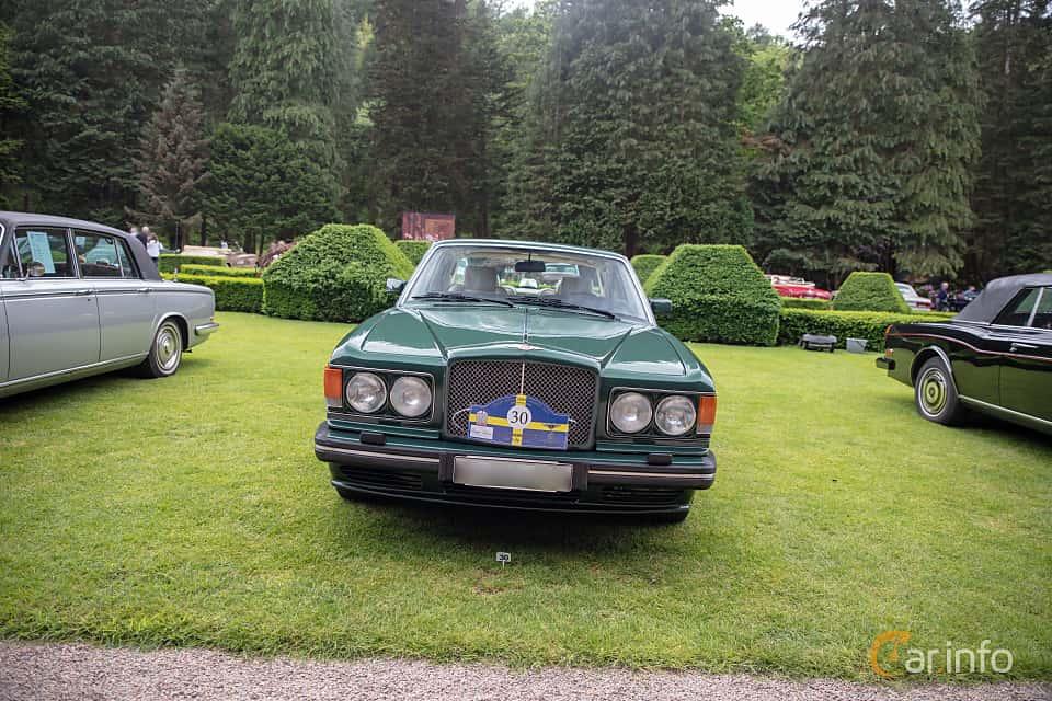 Front  of Bentley Turbo R 6.75 V8 Automatic, 313ps, 1990 at Rolls-Royce och Bentley, Norrviken Båstad 2019