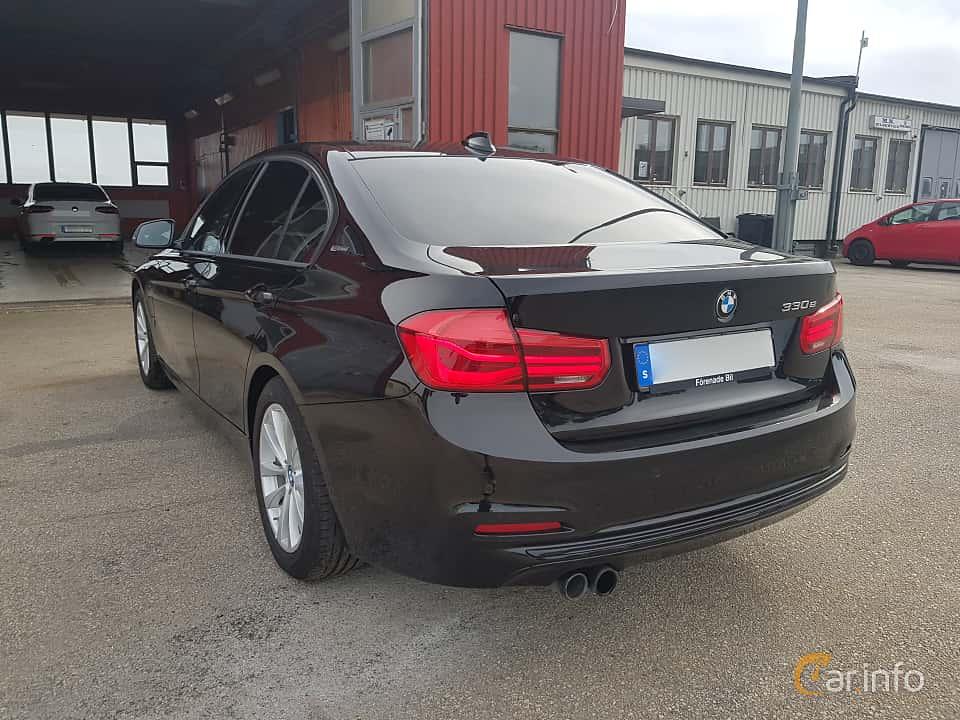 Back/Side of BMW 330e Sedan  Steptronic, 252ps, 2017