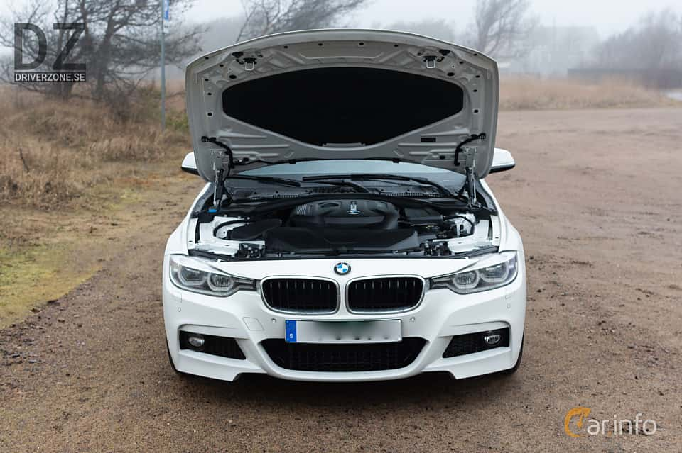 Front  of BMW 320i Touring  Steptronic, 184ps, 2019