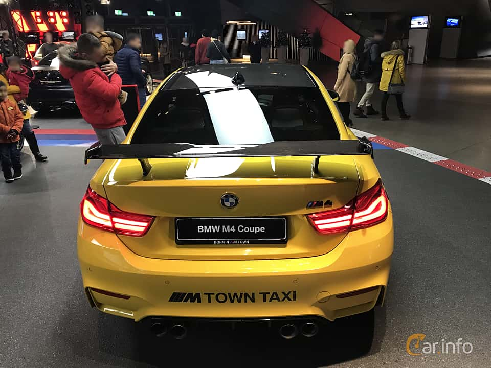 Back of BMW M4 Competition Coupé  Drivelogic, 450ps, 2019