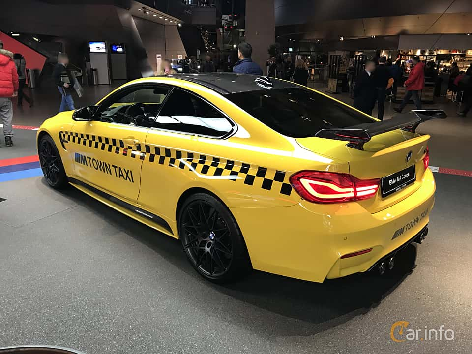 Back/Side of BMW M4 Competition Coupé  Drivelogic, 450ps, 2019