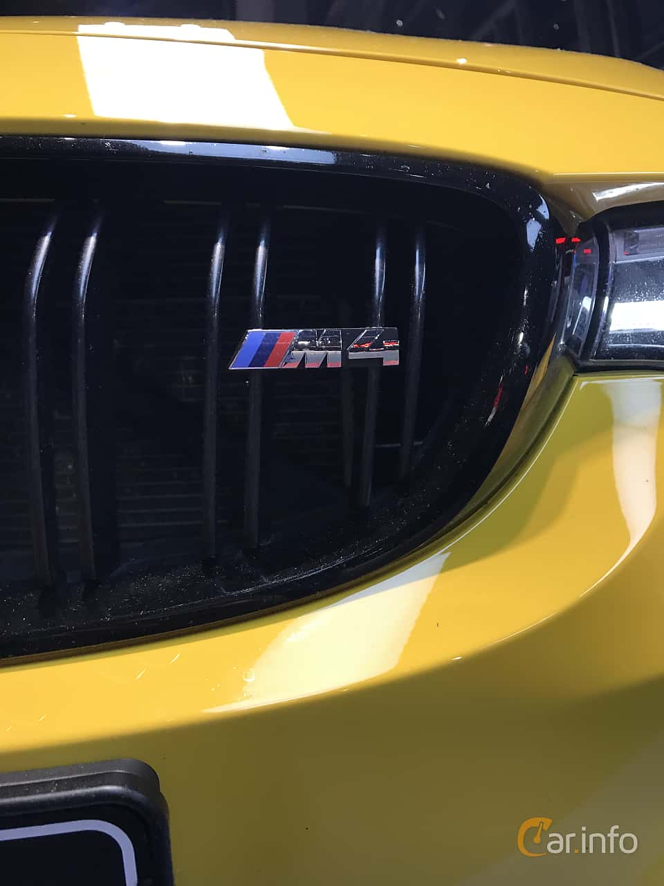 Close-up of BMW M4 Competition Coupé  Drivelogic, 450ps, 2019