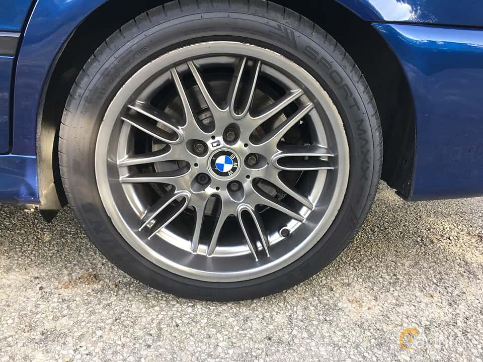 Närbild av BMW M5 Sedan 5.0 V8 Manual, 400ps, 2000 på Vallåkraträffen 2017