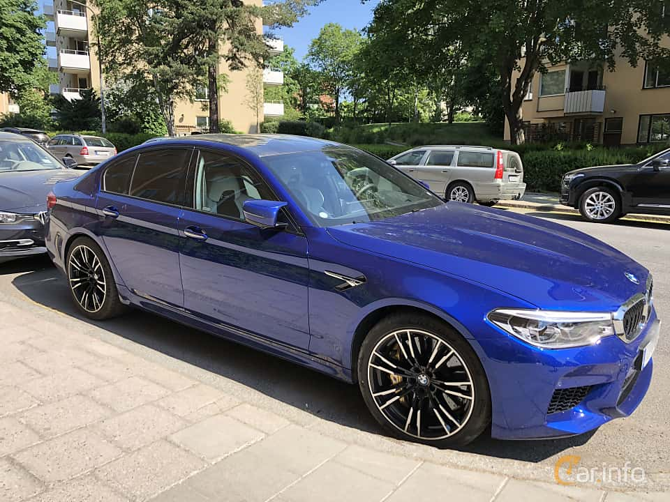 Side of BMW M5 4.4 V8 xDrive Steptronic, 600ps, 2018