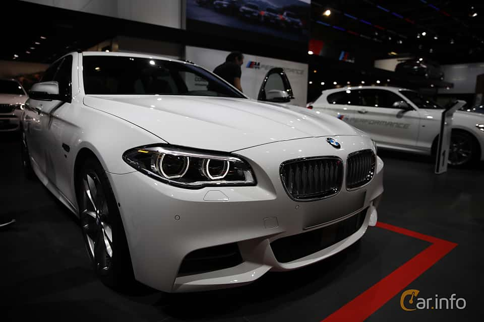7 images of bmw m550d xdrive touring 3 0 xdrive steptronic. Black Bedroom Furniture Sets. Home Design Ideas