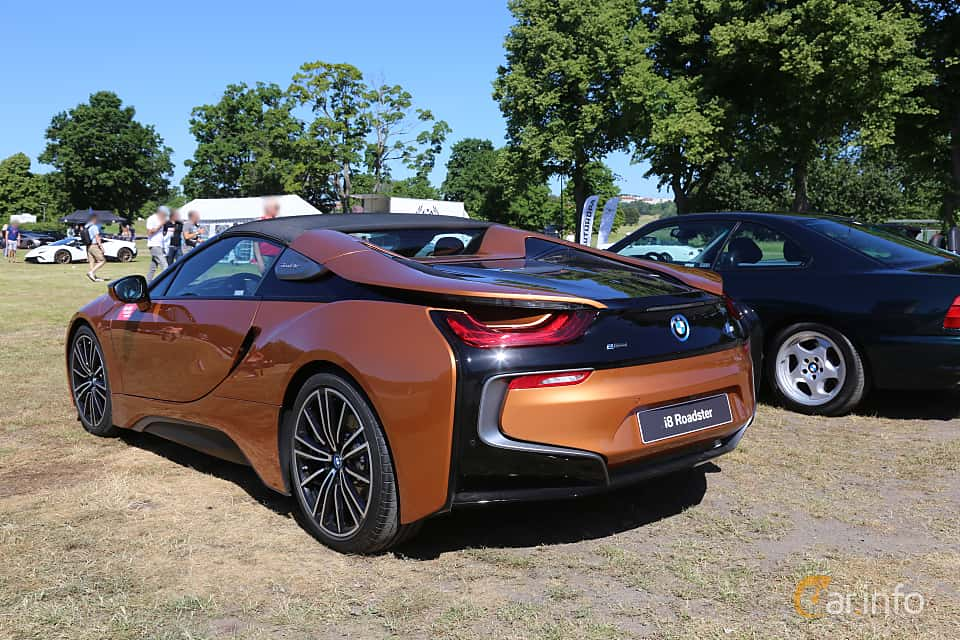 Bak/Sida av BMW i8 Roadster 1.5 + 11.6 kWh Steptronic, 374ps, 2018 på Cars and Coffee Stockholm 2018