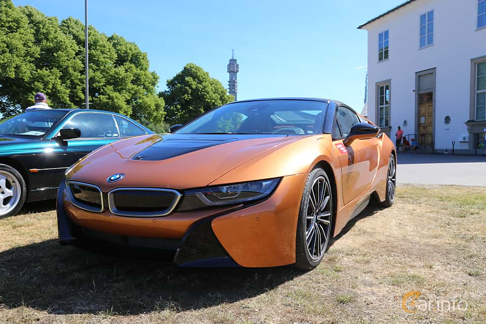 Fram/Sida av BMW i8 Roadster 1.5 + 11.6 kWh Steptronic, 374ps, 2018 på Cars and Coffee Stockholm 2018