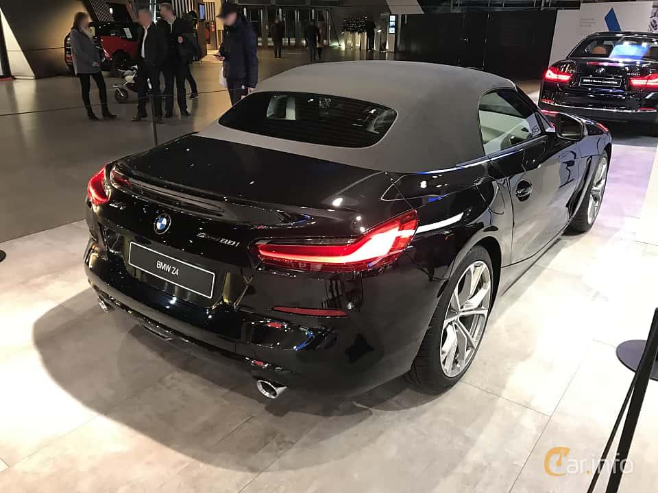 Back/Side of BMW Z4 sDrive20i  Steptronic, 197ps, 2019