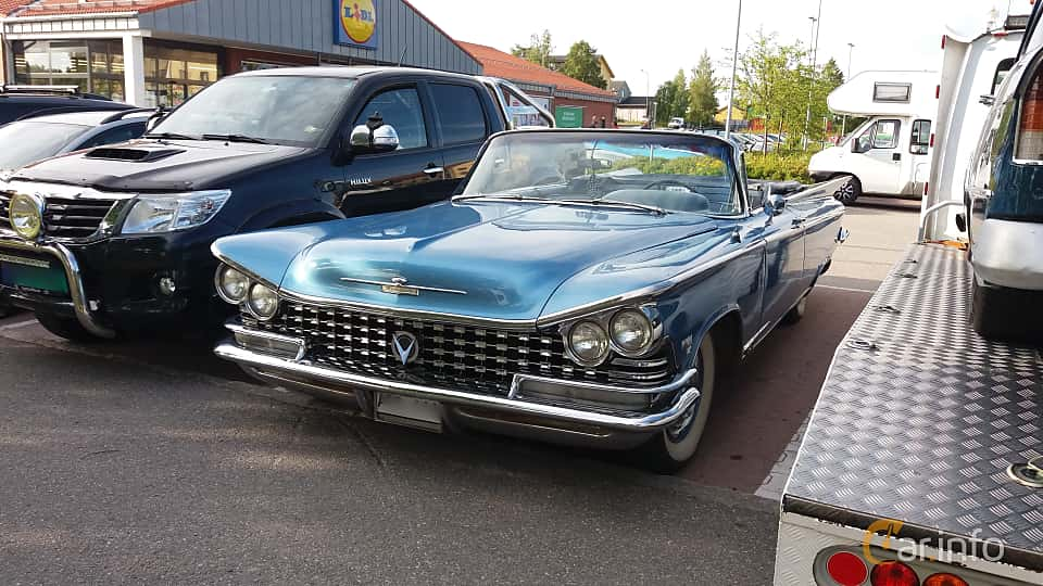 Front/Side  of Buick Electra 225 Convertible 6.6 V8 Automatic, 305ps, 1959 at Nostalgidagarna Härnösand 2019