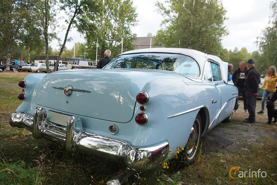 Back/Side of Buick Roadmaster Riviera Hardtop 5.3 V8 Automatic, 203ps, 1954 at Onsdagsträffar på Gammlia Umeå 2019 vecka 32