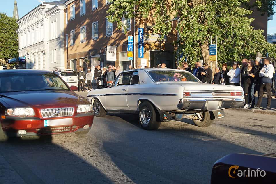 Back/Side of Buick Skylark Sport Coupé 4.9 V8 Automatic, 213ps, 1964 at Umeå Wheels Nations Norr 2019