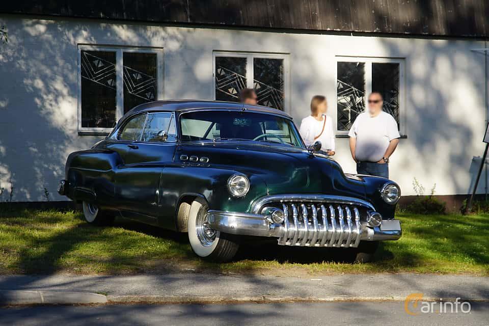 Front/Side  of Buick Super Riviera 4.3 Automatic, 130ps, 1950 at Onsdagsträffar på Gammlia Umeå 2019 vecka 27