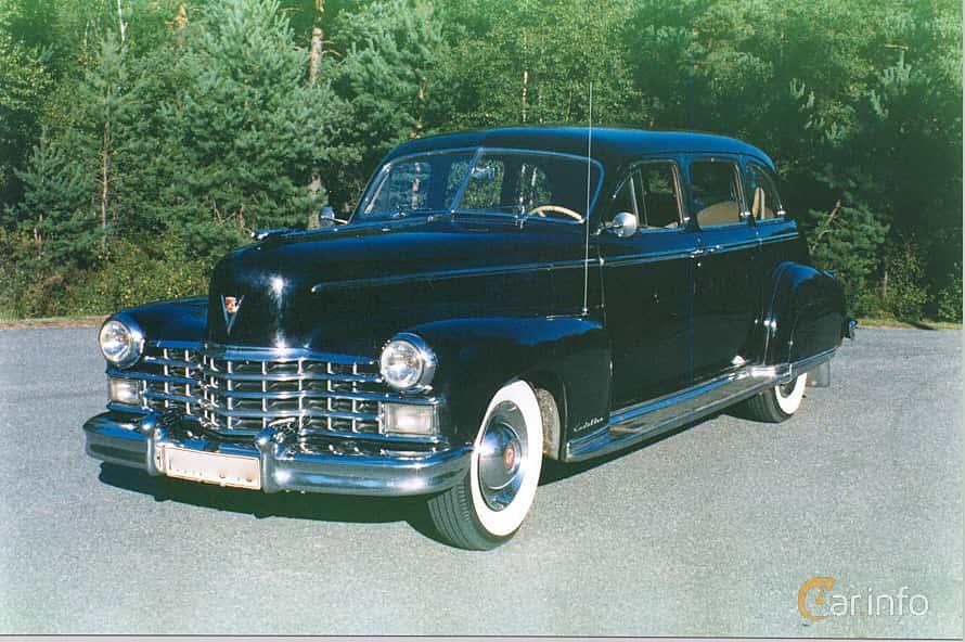 Front/Side of Cadillac Fleetwood Seventy-Five Sedan 5.7 V8 Hydra-Matic, 152ps, 1948