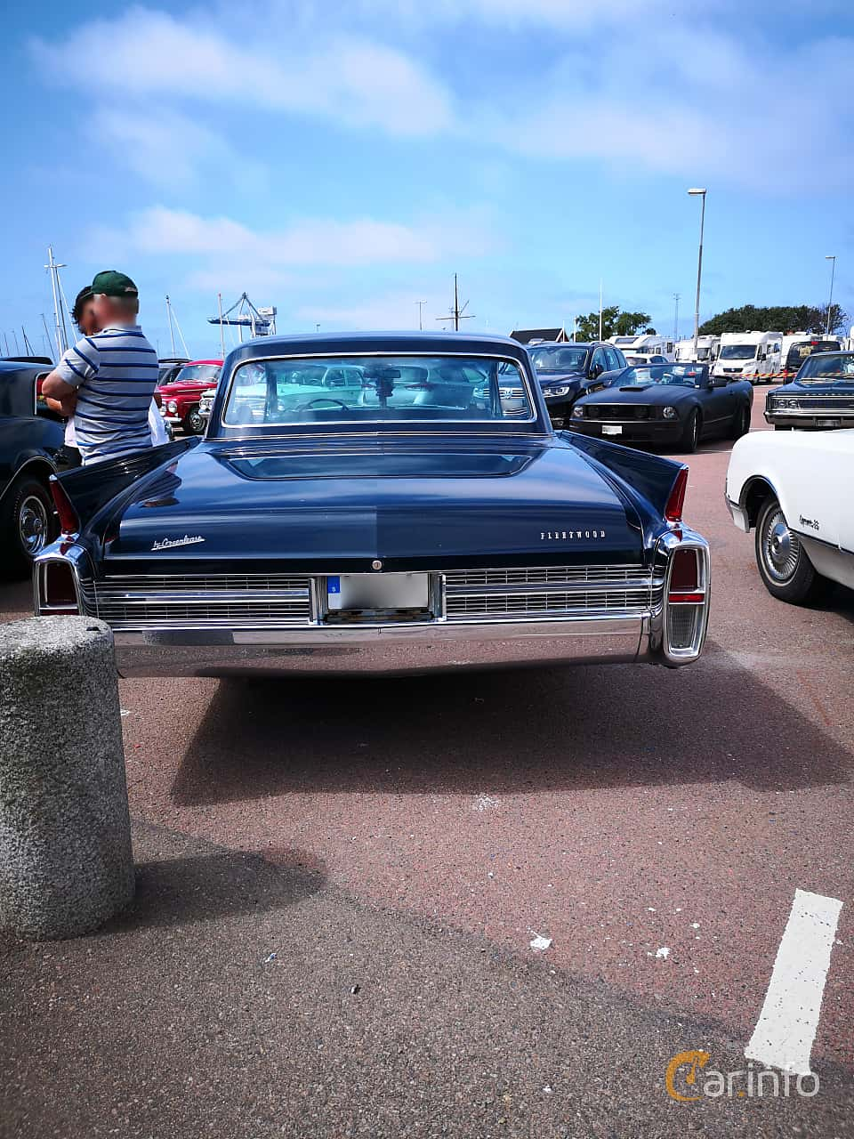 Front  of Cadillac Fleetwood Sixty Special 6.4 V8 OHV Hydra-Matic, 330ps, 1963