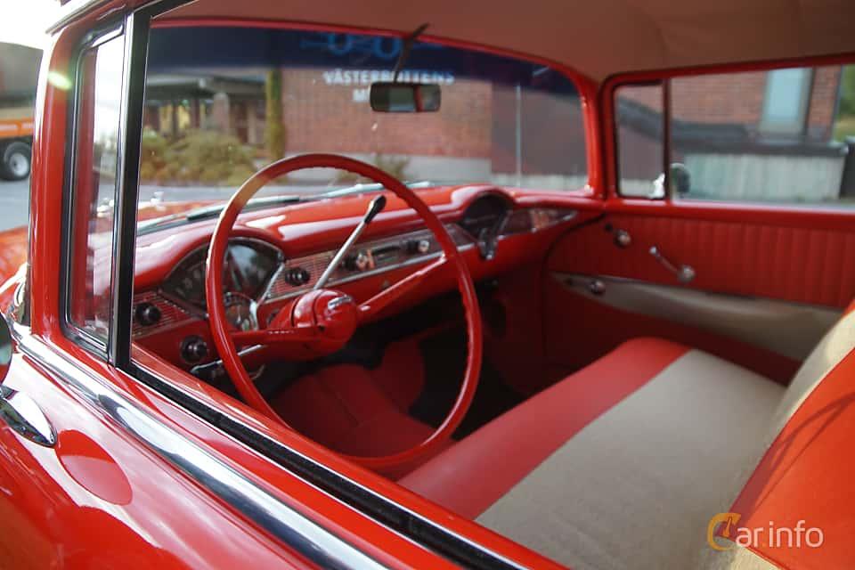 Interior of Chevrolet 210 Handyman 3.9 Powerglide, 142ps, 1956 at Onsdagsträffar på Gammlia Umeå 2019 vecka 32
