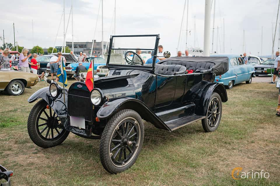 Front/Side  of Chevrolet 490 Touring 2.8 Manual, 26ps, 1919 at Veteranbilsträff i Vikens hamn Juli 2018