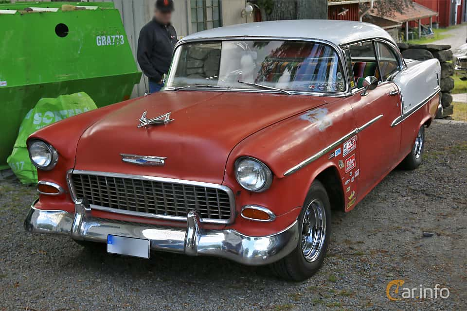 Front/Side  of Chevrolet Bel Air Sport Coupé 4.3 V8 Powerglide, 183ps, 1955 at Rådaträffen, Mölnlycke 2019 Tisdag vecka 29