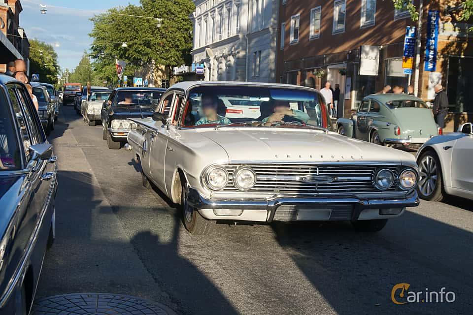 Front/Side  of Chevrolet Bel Air Sport Sedan 4.6 V8 Automatic, 173ps, 1960 at Umeå Wheels Nations Norr 2019