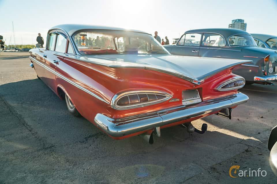 """Back/Side of Chevrolet Bel Air 4-door Sedan 4.6 V8 Powerglide, 254ps, 1959 at Nyköpings hamnträffar 2019 Vecka 20  Tema: """"Kvinnor vid ratten"""""""