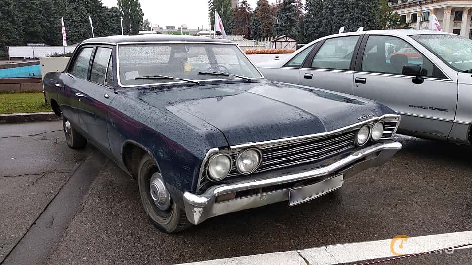 Front/Side  of Chevrolet Chevelle 4-door Sedan 1967 at Old Car Land no.2 2018