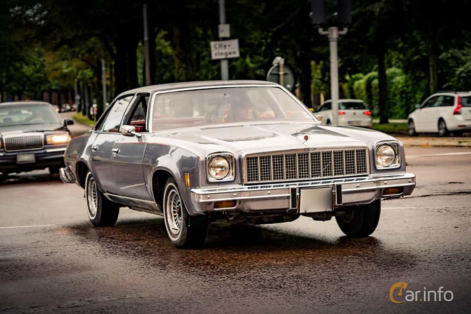 Chevrolet Chevelle Malibu Sedan 5 7 V8 147hp 1975