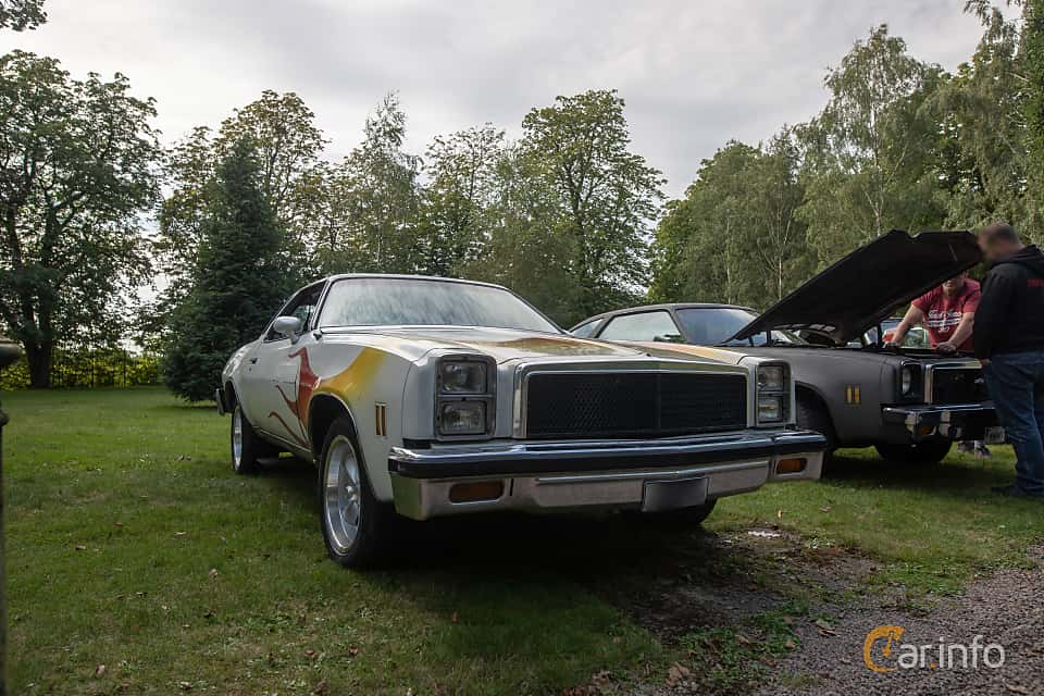 Front/Side  of Chevrolet Chevelle Malibu Classic Coupé 5.7 V8 Hydra-Matic, 147ps, 1976 at Billesholms Veteranbilsträff 2019 augusti