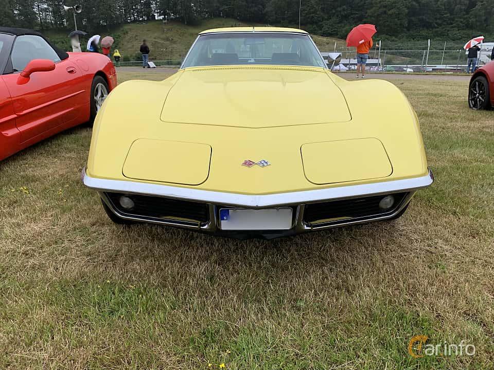 Front  of Chevrolet Corvette Stingray 5.7 V8 Automatic, 305ps, 1969 at Svenskt sportvagnsmeeting 2019