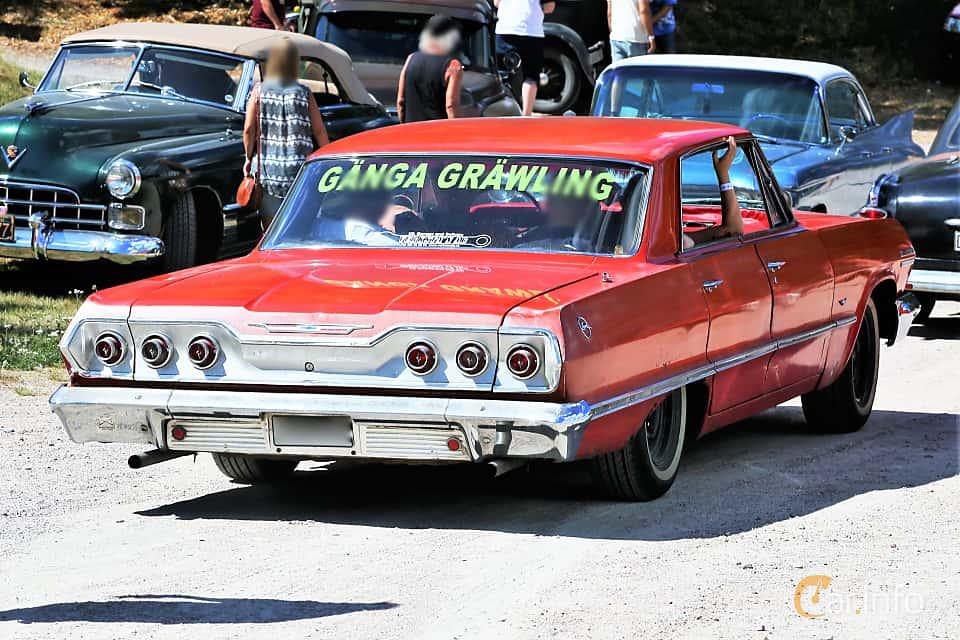 Back/Side of Chevrolet Impala Sport Sedan 4.6 V8 Powerglide, 198ps, 1963